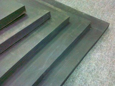 Пластина пористая техническая с двумя пленками ТУ 38 105 867-90.